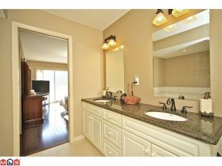 """Photo 7: 102 4001 OLD CLAYBURN Road in Abbotsford: Abbotsford East Townhouse for sale in """"CEDAR SPRINGS"""" : MLS®# F1306251"""