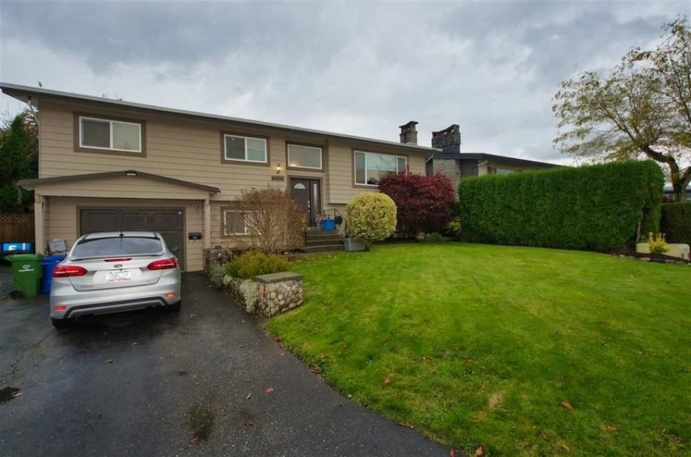 Main Photo: 46585 ELGIN Drive in Chilliwack: Fairfield Island House for sale : MLS®# R2620804