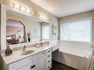 Photo 31: 54 Mount Robson Close SE in Calgary: McKenzie Lake Detached for sale : MLS®# A1096775