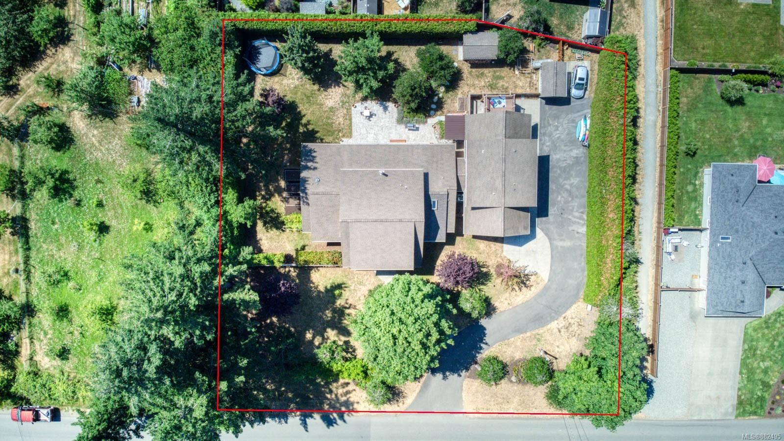 Photo 37: Photos: 375 Butchers Rd in : CV Comox (Town of) House for sale (Comox Valley)  : MLS®# 882495