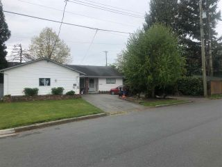 Photo 2: 45400 JACKSON Street in Chilliwack: Chilliwack W Young-Well House for sale : MLS®# R2572777