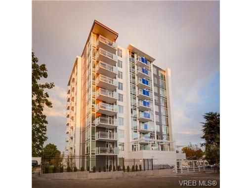 Main Photo: 306 1090 Johnson Street in : Vi Downtown Residential for sale (Victoria)  : MLS®# 332500