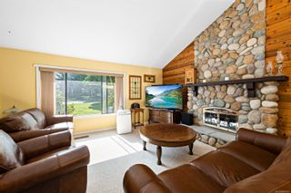 Photo 3: 976 Mantle Dr in Courtenay: CV Courtenay East House for sale (Comox Valley)  : MLS®# 884567