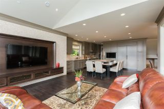 Photo 15: 2566 MARINE Drive in West Vancouver: Dundarave House for sale : MLS®# R2568519