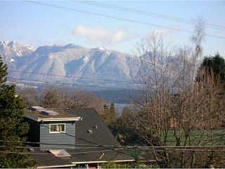 """Photo 2: 4143 W 13TH Avenue in Vancouver: Point Grey House for sale in """"POINT GREY"""" (Vancouver West)  : MLS®# V1077106"""