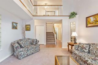 """Photo 8: 6356 187A Street in Surrey: Cloverdale BC House for sale in """"Eagle Crest"""" (Cloverdale)  : MLS®# R2586904"""