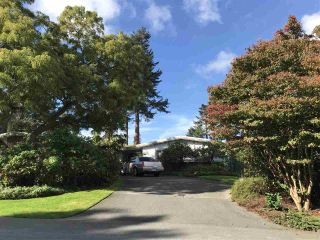 Photo 1: 5327 UPLAND Drive in Delta: Cliff Drive House for sale (Tsawwassen)  : MLS®# R2333940