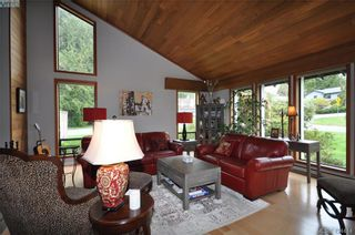 Photo 14: 839 Wavecrest Pl in VICTORIA: SE Broadmead House for sale (Saanich East)  : MLS®# 838161