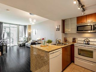 """Photo 3: 709 4078 KNIGHT Street in Vancouver: Knight Condo for sale in """"King Edward Village"""" (Vancouver East)  : MLS®# R2591633"""