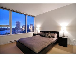 "Photo 7: 1905 33 SMITHE Street in Vancouver: Yaletown Condo for sale in ""Coopers Lookout"" (Vancouver West)  : MLS®# V954984"