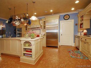 Photo 6: 900 Matticks Wood Lane in VICTORIA: SE Cordova Bay House for sale (Saanich East)  : MLS®# 599463