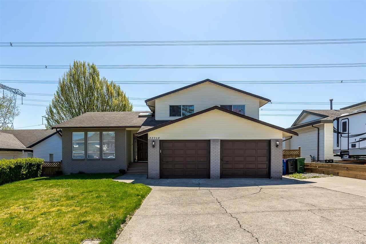 Main Photo: 32968 BANFF Place in Abbotsford: Central Abbotsford House for sale : MLS®# R2568554