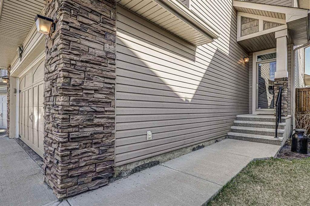 Main Photo: 26 BRIGHTONWOODS Bay SE in Calgary: New Brighton Detached for sale : MLS®# A1110362