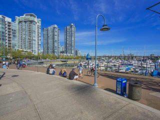 "Photo 17: 1003 193 AQUARIUS Mews in Vancouver: Yaletown Condo for sale in ""MARINASIDE RESORT"" (Vancouver West)  : MLS®# V1118098"