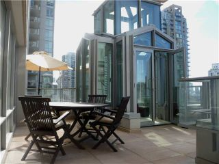 """Photo 1: 901 565 SMITHE Street in Vancouver: Downtown VW Condo for sale in """"VITA"""" (Vancouver West)  : MLS®# V878275"""