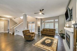 """Photo 5: 25592 BOSONWORTH Avenue in Maple Ridge: Thornhill MR House for sale in """"The Summit at Grant Hill"""" : MLS®# R2516309"""