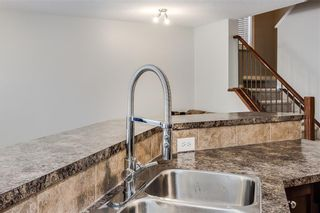 Photo 8: 81 ROYAL CREST View NW in Calgary: Royal Oak Semi Detached for sale : MLS®# C4253353