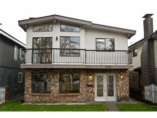 Photo 1: 2752 GRANT Street in Vancouver: Renfrew VE House for sale (Vancouver East)  : MLS®# R2013991