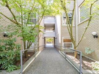 """Photo 33: 203 668 W 16TH Avenue in Vancouver: Cambie Condo for sale in """"The Mansions"""" (Vancouver West)  : MLS®# R2606926"""