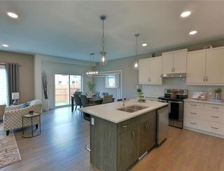 Photo 4: 29 McCrindle Bay in Winnipeg: Charleswood Residential for sale (1H)  : MLS®# 202023573