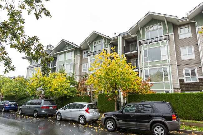 Main Photo: 317 7089 MONT ROYAL SQUARE in Vancouver East: Champlain Heights Condo for sale ()  : MLS®# R2007103