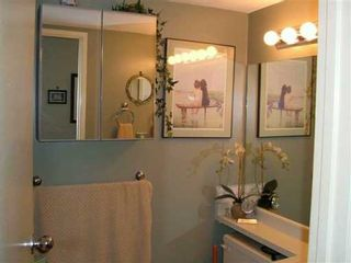 "Photo 6: 212 809 W 16TH ST in North Vancouver: Hamilton Condo for sale in ""PANORAMA COURT"" : MLS®# V593357"