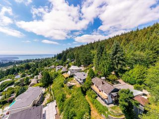 Photo 1: 561 KILDONAN Road in West Vancouver: Glenmore House for sale : MLS®# R2604216