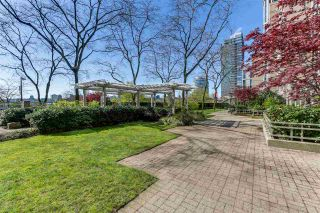 """Photo 19: 2205 388 DRAKE Street in Vancouver: Yaletown Condo for sale in """"GOVERNOR'S TOWNER"""" (Vancouver West)  : MLS®# R2276947"""