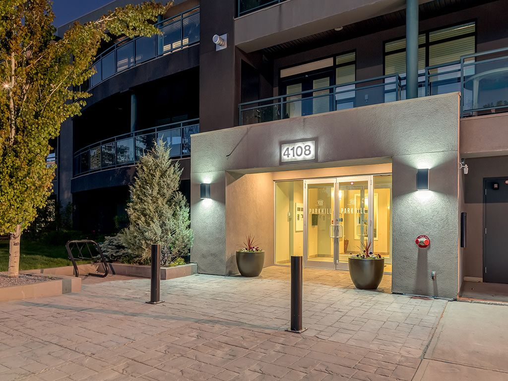 Photo 2: Photos: 306 4108 Stanley Road SW in Calgary: Parkhill_Stanley Prk Condo for sale : MLS®# c4012466