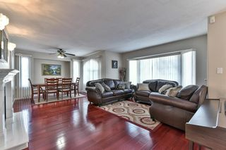Photo 3: 15948 98 Avenue in Surrey: Guildford House for sale (North Surrey)  : MLS®# R2126494
