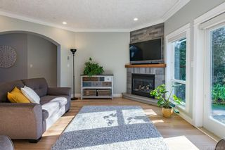 Photo 3: 1996 Sussex Dr in : CV Crown Isle House for sale (Comox Valley)  : MLS®# 867078
