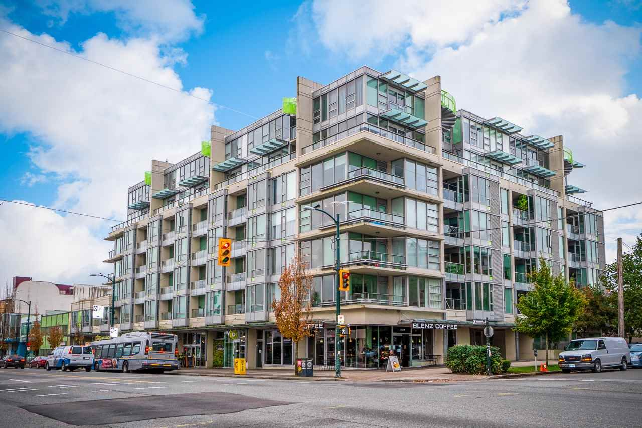 """Main Photo: 604 2528 MAPLE Street in Vancouver: Kitsilano Condo for sale in """"The Pulse"""" (Vancouver West)  : MLS®# R2514127"""