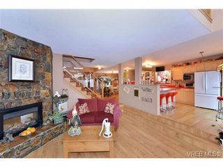 Photo 5: 3435 Karger Terr in VICTORIA: Co Triangle House for sale (Colwood)  : MLS®# 722462
