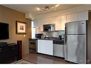 Photo 1: 302 932 Johnson Street in VICTORIA: Vi Downtown Residential for sale (Victoria)  : MLS®# 299733