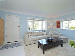 Photo 3: 87 W Maddock Ave in VICTORIA: SW Gorge House for sale (Saanich West)  : MLS®# 765555