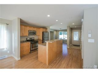 Photo 5: 3229 Ernhill Pl in VICTORIA: La Walfred Row/Townhouse for sale (Langford)  : MLS®# 713582