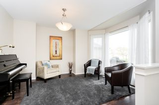 Photo 3: 87 William Gibson Bay in Winnipeg: Canterbury Park House for sale (3M)  : MLS®# 202011374