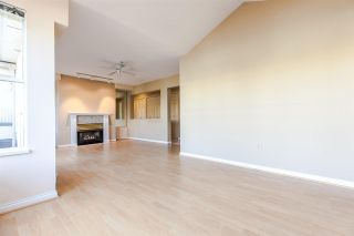 """Photo 7: PH2 611 - 611 W 13TH Avenue in Vancouver: Fairview VW Condo for sale in """"Tiffany Court"""" (Vancouver West)  : MLS®# R2311200"""