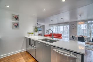 """Photo 3: 902 1372 SEYMOUR Street in Vancouver: Downtown VW Condo for sale in """"The Mark"""" (Vancouver West)  : MLS®# R2562994"""