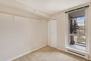 """Photo 14: 404 500 W 10TH Avenue in Vancouver: Fairview VW Condo for sale in """"Cambridge Court"""" (Vancouver West)  : MLS®# R2560760"""