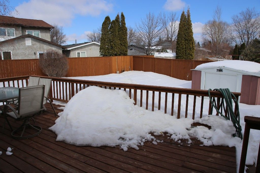 Photo 35: Photos: 28 Woodchester Place in Winnipeg: Charleswood Single Family Detached for sale (South Winnipeg)  : MLS®# 1406268