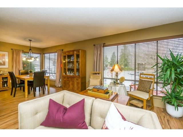 Photo 5: Photos: 5926 183 Street in Surrey: Cloverdale BC House for sale : MLS®# R2028252