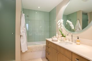 """Photo 11: 1504 1455 HOWE Street in Vancouver: Yaletown Condo for sale in """"POMARIA"""" (Vancouver West)  : MLS®# R2387626"""