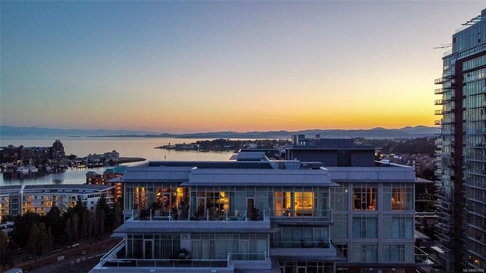 Main Photo: 1006/1007 100 Saghalie Rd in Victoria: VW Songhees Condo for sale (Victoria West)  : MLS®# 887098