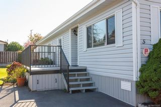 Photo 2: 5 1536 Middle Rd in View Royal: VR Glentana Manufactured Home for sale : MLS®# 775203