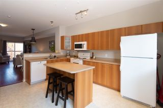 """Photo 6: 72 2000 PANORAMA Drive in Port Moody: Heritage Woods PM Townhouse for sale in """"Mountain's Edge"""" : MLS®# R2367552"""