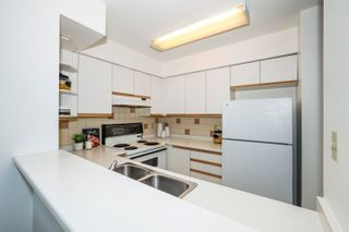 """Photo 9: 302 3505 W BROADWAY in Vancouver: Kitsilano Condo for sale in """"The Collingwood"""" (Vancouver West)  : MLS®# R2617748"""
