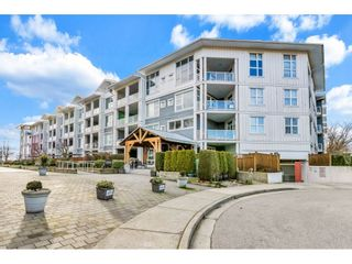 """Photo 1: 118 4500 WESTWATER Drive in Richmond: Steveston South Condo for sale in """"COPPER SKY WEST"""" : MLS®# R2434248"""