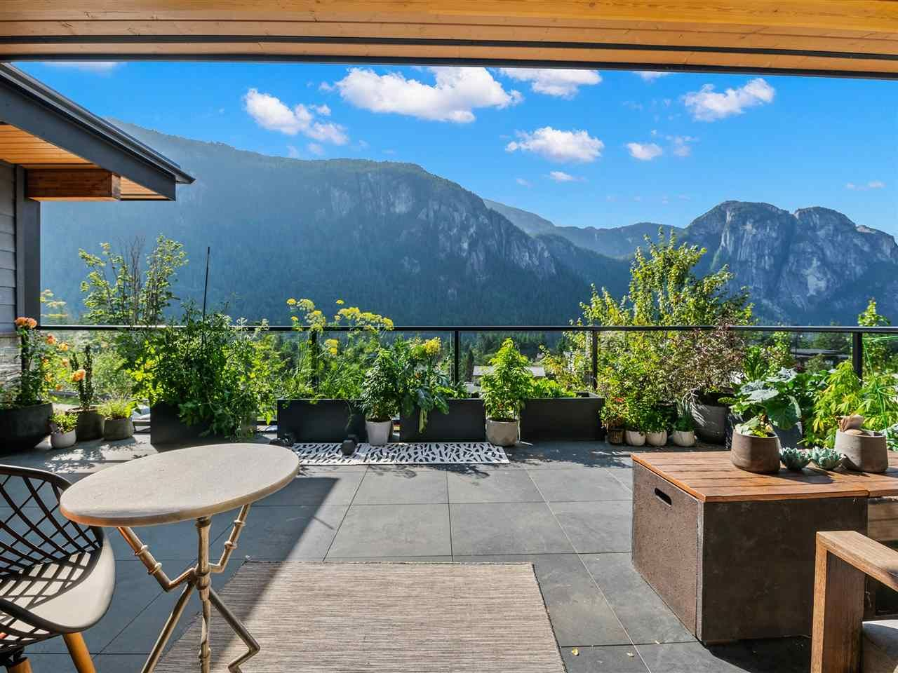 "Main Photo: 2157 CRUMPIT WOODS Drive in Squamish: Plateau House for sale in ""Crumpit Woods"" : MLS®# R2561517"