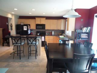 Photo 4: 732 PRESTWICK Circle SE in Calgary: McKenzie Towne House for sale : MLS®# C4019225